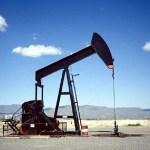 Petróleo: congelarán la extracción de crudo para evitar que sigan cayendo los precios