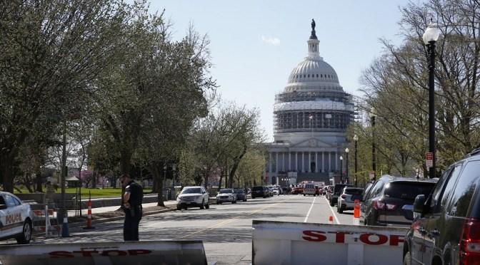 EE.UU.: un hombre disparó en el Capitolio e hirió a un policía