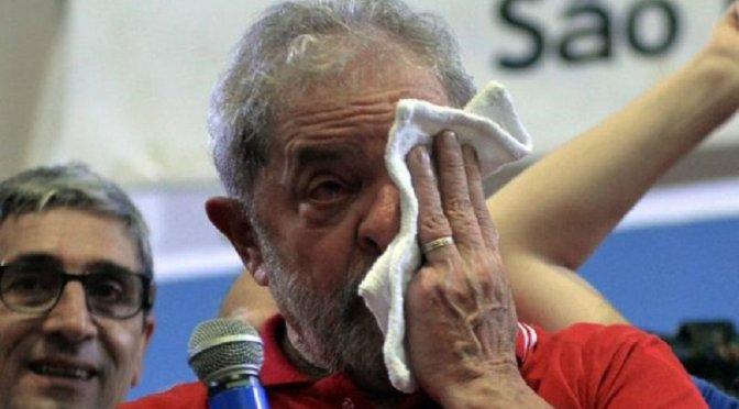 Brasil: la militancia del PT custodia al ex Presidente Lula da Silva