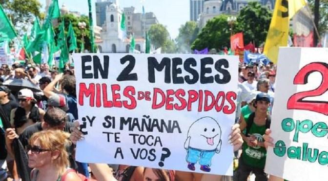 Ministerios: despidos y ruidosas protestas de estatales
