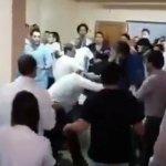 Agresión a médicos en La Plata durante una asamblea gremial