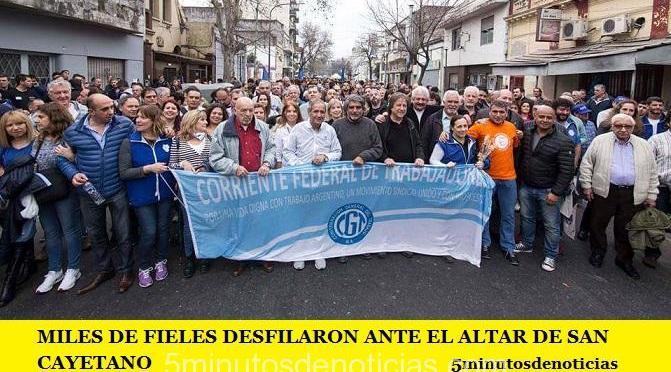 MILES DE FIELES DESFILARON ANTE EL ALTAR DE SAN CAYETANO