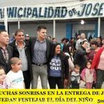 JOSÉ C PAZ: MUCHAS SONRISAS EN LA ENTREGA DE JUGUETES PARA QUE TODOS PUEDAN FESTEJAR EL DÍA DEL NIÑO