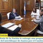 La Vicepresidenta de la Nación le entregó una propuesta de sesión virtual al jefe del interbloque de Juntos por el Cambio