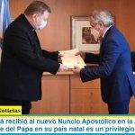 """El Canciller Solá recibió al nuevo Nuncio Apostólico en la Argentina: """"ser el representante del Papa en su país natal es un privilegio"""""""