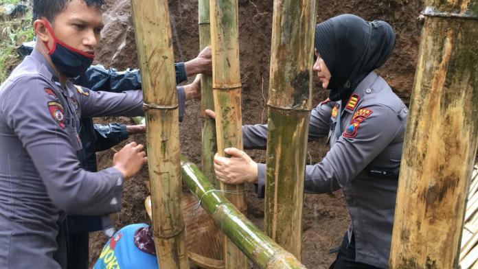 Tanggul Jebol Rendam Sawah Siap Panen, Polres Pati Turun Tangan