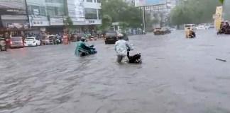 Banjir di Jalan Gajahmada Kota Semarang
