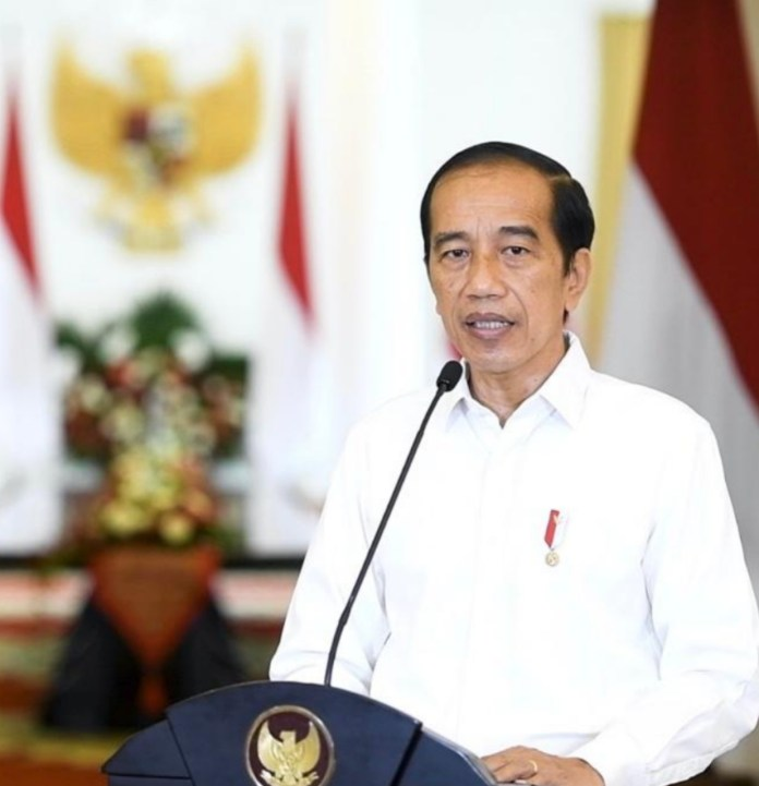 Presiden Jokowi memberikan pernyataan terkait KRI Nanggala-402, Minggu (25/04/2021) siang, di Istana Kepresidenan Bogor, Jawa Barat.