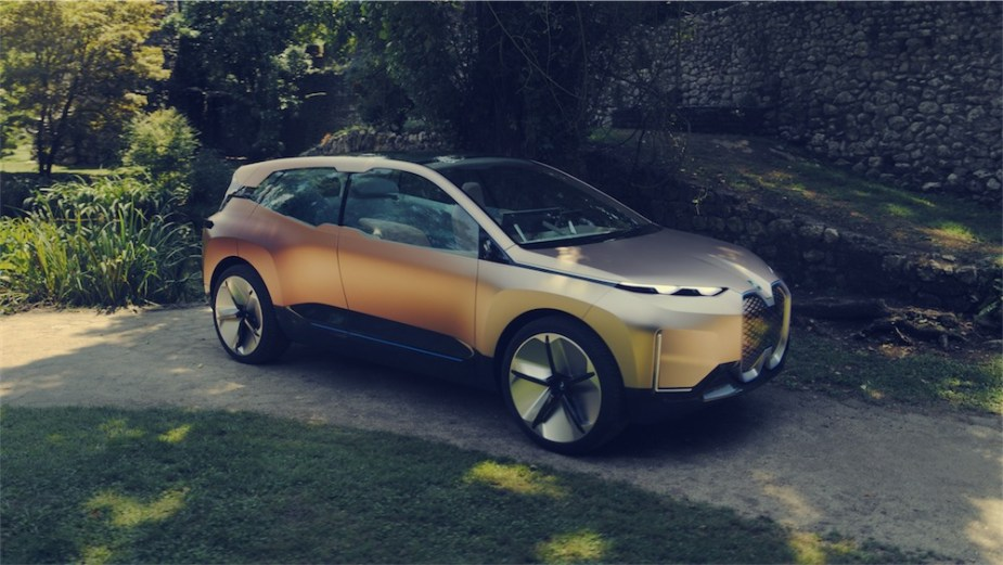 BMW Vision iNext concept and its bold Electric Vehicle Styling.