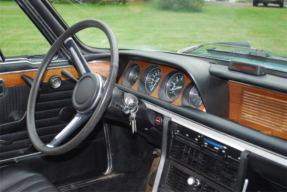 1973 BMW 3.0CS E9 Coupe interior