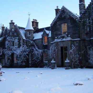 Festive Ideas For Stylish Winter Weddings