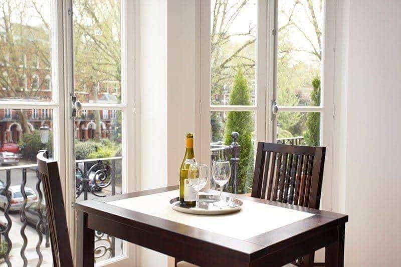 Presidential Apartment Kensington Dining table