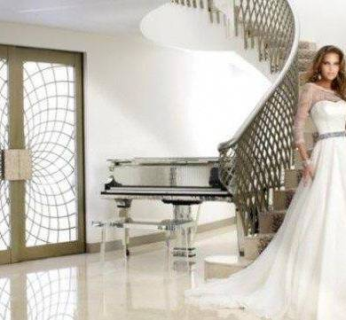 Find Your Dream Dress In The Chic Surrounding Of The Bulgari Hotel