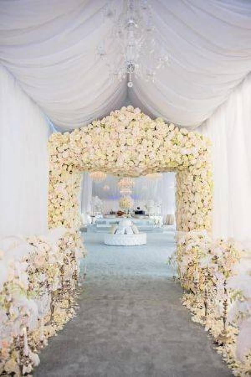 floral-archway-photo-carla-ten-eyck-designed-by-karen-tran