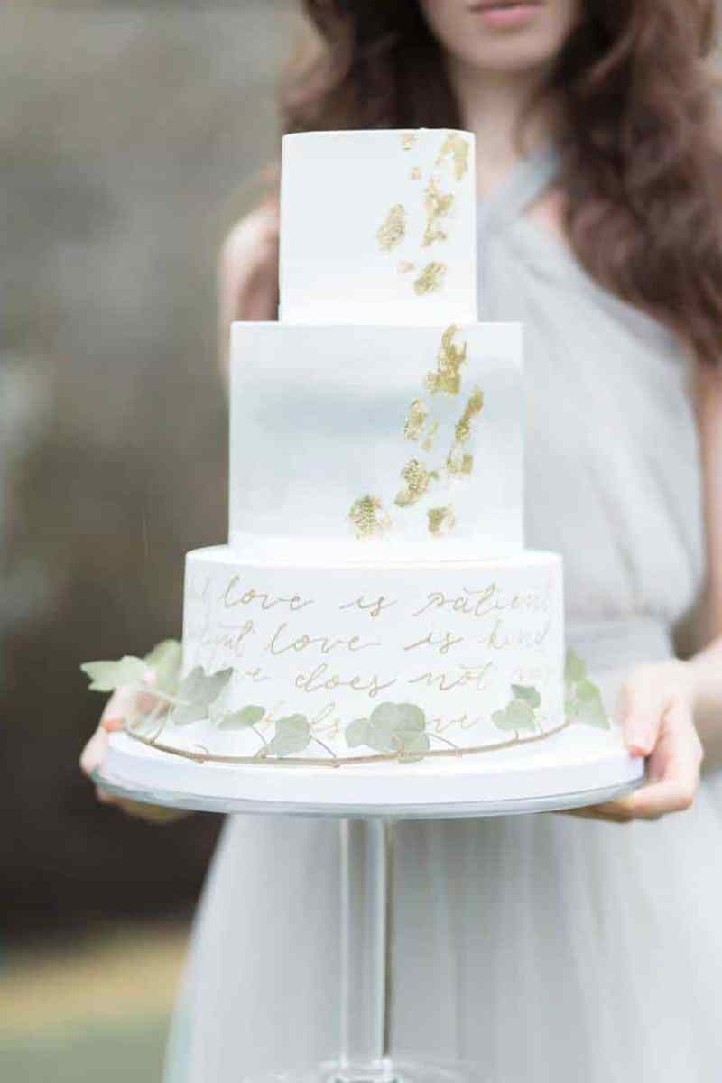 Choosing the Perfect Cake Topper