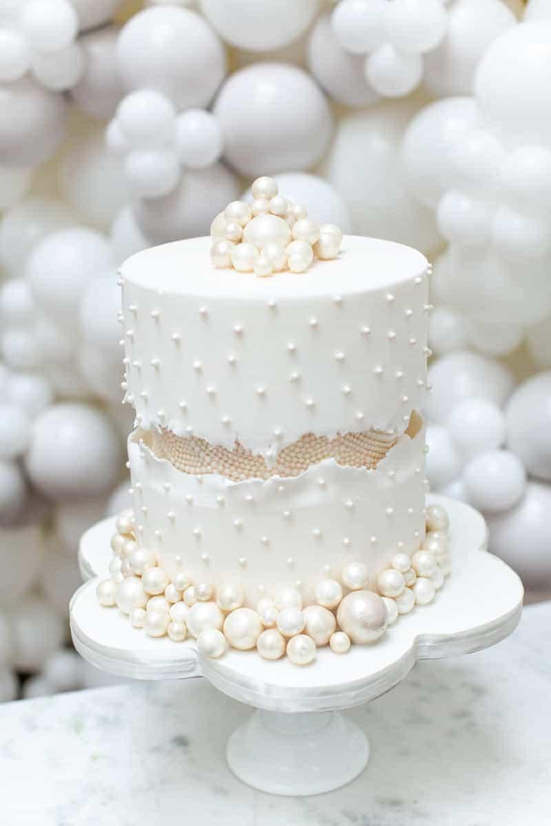 fault line pearl luxury wedding cake from elizabeth s cake emporium