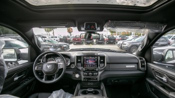 Canadian-Exclusive 2019 Ram 1500 Sport Crew Cab 4x4. (Abbotsford Chrysler).