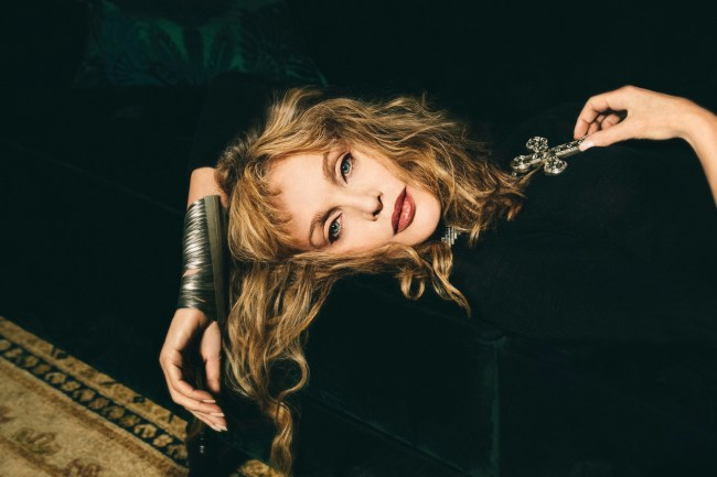 Book to see Franco-American singer Arielle Dombasle at The
