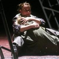 Szene aus dem Theaterstück  Mutter Courage und ihre Kinder . Foto: Friedemann Vetter/Theater Trier - 5VIER