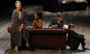Diana Körner, Vanessa Daun, Kerstin Thielemann, Barbara Ullmann, Foto: Dominik Mock/Theater Trier - 5VIER