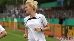 20110730 Eintracht Trier - St. Pauli, Bibiana Steinhaus, Schiri, DFB Pokal, Foto: Anna Lena Bauer - 5VIER