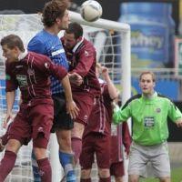 Heftiger Gegenwehr musste sich Oliver Stang mit Eintracht Trier in Kaiserslautern entgegensetzen. Foto: Roy Black - 5VIER