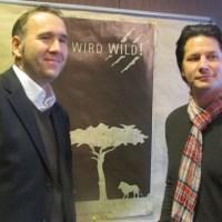Andy B. Jones und Oliver Johannes, Gebietsverkaufsleiter für Krombacher (v.r.) - 5VIER