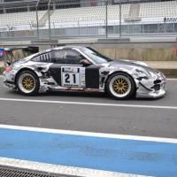 Im Porsche auf der Jagd nach Platzierungen: Ralf Karst. (Foto: Stephen Weber) - 5VIER
