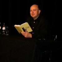 Der Bochumer Frank Goosen las aus seinem Roman  Sommerfest  vor. - 5VIER