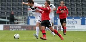 Sonnenhof Großaspach-Eintracht Trier. Maximilian Watzka im Zweikampf. Foto: Peter Schmitt - 5VIER