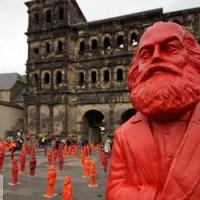 Hörl Installation Karl Marx. Foto: Lars Eggers - 5VIER