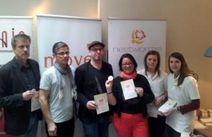 Reinhold Spitzley (links), Daniel Bukowski (Dritter von links) und Petra Moske (Dritte von rechts) stellten den Move Award vor. Foto: 5vier.de - 5VIER