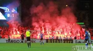 20130803 DFB-Pokal Eintracht Trier - 1-FC Koeln, Spielunterbrechung, Foto: 5vier.de - 5VIER