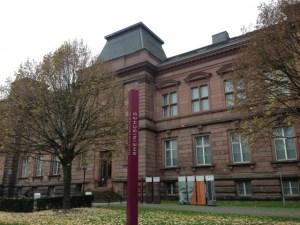 Rheinisches Landesmuseum von aussen - 5VIER