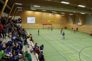 Volle Hochwaldhalle in Osburg beim Hallenturnier