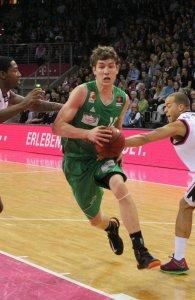 Vom Invaliden zum Allstar: Andi Seiferth spielt die beste Hinrunde seiner jungen BBL-Karriere. Foto: Lisa Löwe