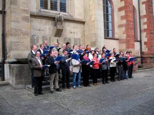Der Friedrich-Spee-Chor vor dem Eingang zur Gruft des Jesuiten