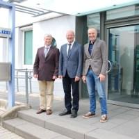 Polizeihauptkommissar Egon Bauer, Polizeipräsident Lothar Schömann und Polizeihauptkommissar Peter Hoffmann (v.l.n.r. ), Foto: Polizei Trier - 5VIER