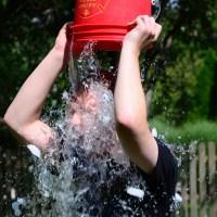 Doing_the_ALS_Ice_Bucket_Challenge_(14927191426) - 5VIER