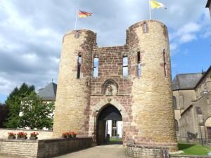 Burg Welschbillig, Torbau