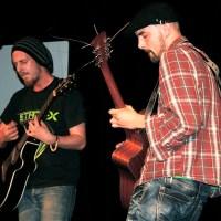 Strings'n'Stories: Morgan Henx und Paul Hilger. Auftritt in der TuFa Trier. Poetry Slam Landesmeisterschaft RLP 2014. Eröffnungsgala. - 5VIER