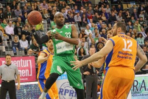 Noch einmal alles gegeben: Jermaine Bucknor (22 Punkte, 9 Rebounds). Foto: Thewalt