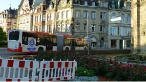 Auch die Trierer Busse fahren mit dem heutigen Tag in anderen Richtungen… (normalerweise ist die Simeonstraße auch für Busse eine Einbahnstraße). - 5VIER