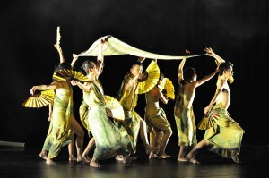 Bejing Modern Dance Company - Blooming Of Time (2)