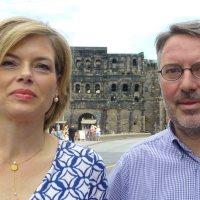 Julia Klöckner (li.) und Udo Köhler waren gemeinsam in Trier auf Tour. Foto: C. Maisenbacher - 5VIER