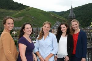Die Kandidatinnen zur Moselweinkönigin stellen sich im September dem Votum. Foto: Ansgar Schmitz