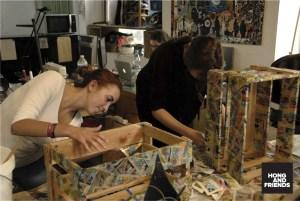 """Aus alten Staubfängern werden individuelle Wohnaccessoires: Die MuseumsManufaktur beschäftigt sich mit dem Thema """"Möbel"""". © hongandfriends"""