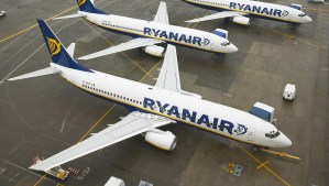 ryanair-aircraft-(1) - 5VIER
