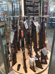 Wenn es Maschinengewehre im Supermarkt gibt... (Foto: Dustin Mertes)