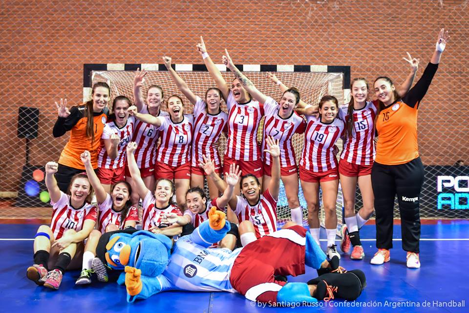 Die Frauen-Handballnationalmannschaft aus Paraguay